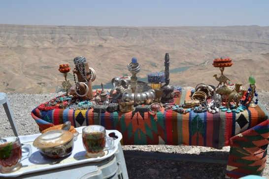 Shopping atop Wadi Musa