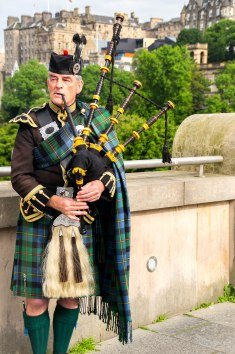 Bagpipes playing on our way up to the Royal Mile